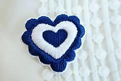Odznaky/Brošne - Folkové srdce - ručne vyšívaná brošňa - 10501253_