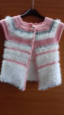 Detské oblečenie - Háčkovaná vesta - 10501980_