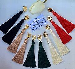 Náušnice - Výrazné husté strapce a pozlátené 24K napichovačky/ Tassels with 24K gold color square earrings - 10504861_