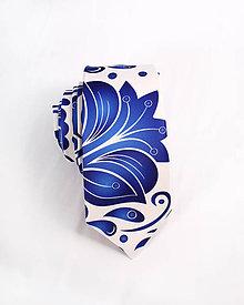 Doplnky - Pánska kravata - potlač FOLK ROSES (modrý folk na bielej) - 10504478_