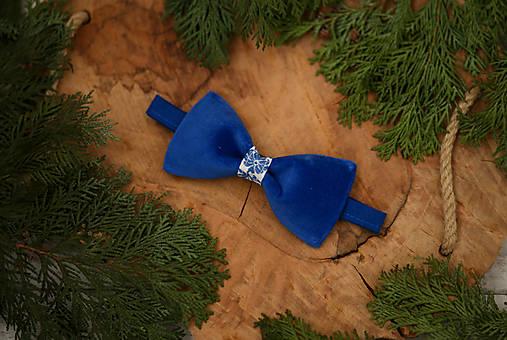 Luxusný zamatový motýlik - modrý