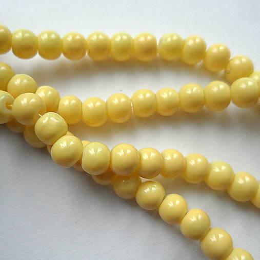 Sklenené korálky Panacolor ™ 4mm-30ks (sv.žltá)