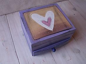 Krabičky - Maľovaná šperkovnička so srdiečkom - 10509317_