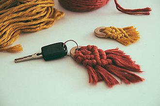 Kľúčenky - macrame ozdôbka na kľúče - 10508185_