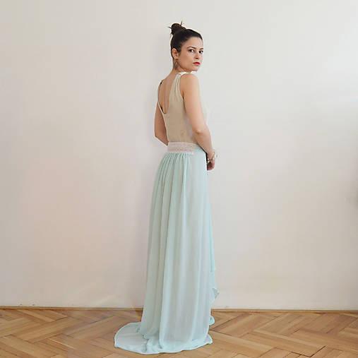 9d338c65a4ac Svetlo modré spoločenské šaty s čipkou   majoranka - SAShE.sk ...
