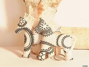Kľúčenky - Prívesok na kľúče - koník s mandalami - 10508331_