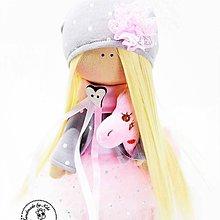 Bábiky - Ružová bábika s trblietkami - 10514583_