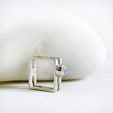 Prstene - Stříbrný prsten s měsíčním kamenem Sq II - 10511807_