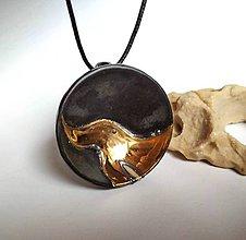 Náhrdelníky - Keramický šperk z kolekcie V KRUHU- Zlato - 10512295_
