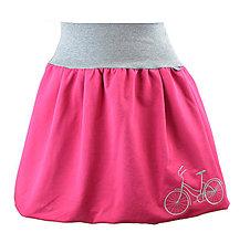 Sukne - Balónová sukně s výšivkou... Na kole - 10512811_
