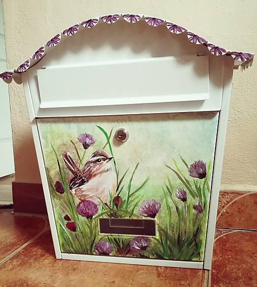 Maľovaná poštová schranka