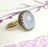 Prstene - Moonstone & Antique Bronze Filigree Ring / Bronzový filigránový prsteň so šedým mesačným kameňom #2042 - 10516844_