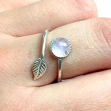 Prstene - Simple Leaf Silver Moonstone Ring Ag925 / Strieborný prsteň s mesačným kameňom #1361 - 10516671_