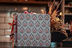 Papiernictvo - Fotoalbum klasický, laminovaný polyetylénový obal s folkovou potlačou - 10515568_