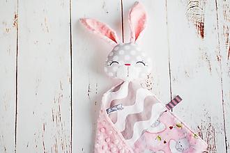 Hračky - Mojkáčik zajko ružovo-šedý patchwork - 10516597_