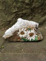 Dekorácie - Maľovaná skala -