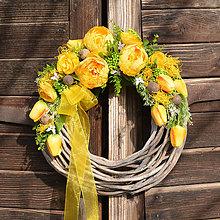 Dekorácie - Veniec so žltou pivonkou - 10521145_