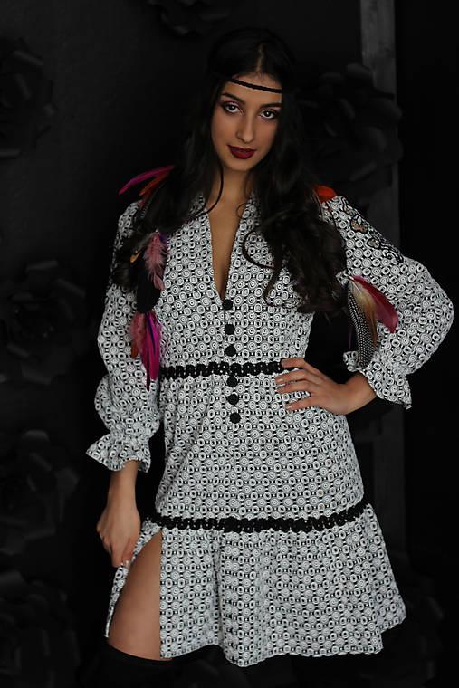 Boho šaty z bavlny s výšivkou