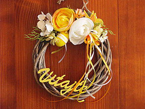 Dekorácie - Veľkonočný veniec so žltým nápisom - 10520564_
