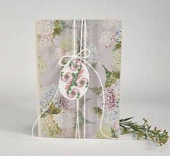 Papiernictvo - Kraslica v zajatí kvetov III - veľkonočný pozdrav - 10520386_