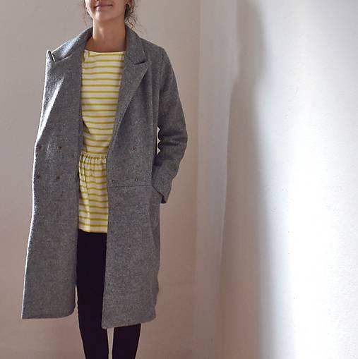 girlfriend coat .vlna