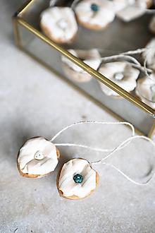 Dekorácie - Oriešky prúžkované - dekorácia - 10526616_