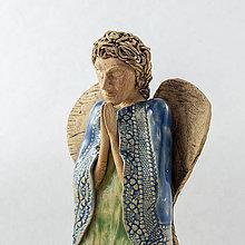 Dekorácie - Anjel modliaci sa - výška 21 cm. - 10527778_