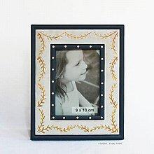 Rámiky - Ručne maľovaný rámček so zlatými lístočkami - 10527694_