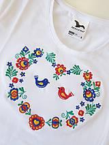 """Tričká - Vyšívané dámske tričko s ľudovým motívom """"srdce"""", krátky rukáv - 10526370_"""