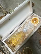 Potraviny - Medovina v kryštálovej fľaši v drevenom obale - 10526302_