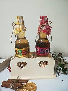 Potraviny - Darčekové balenie dvojitej medoviny v drevenom vyrezávanom stojane - 10525182_