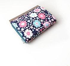 Peňaženky - Peňaženka s priehradkami Kvety dvoch farieb - 10527700_