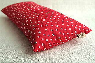 Úžitkový textil - Šupkový FILKI vankúš 40 cm (červený s kvietkami) - 10525224_