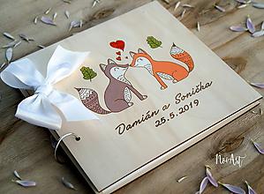 Papiernictvo - Svadobná kniha hostí, drevený fotoalbum - líšky - 10531593_