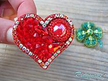 Brošňa...vyšívané (Red heart)