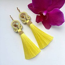 Náušnice - Ručne šité šujtášové náušnice / Soutache earrings - Swarovski  (Suzy - žltá/zlatá) - 10530049_