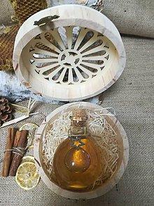 Potraviny - Medovina v darčekovom balení - v drevenej okrúhlej vyrezávanej krabičke - 10530402_