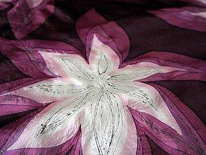 Šatky - Květy v ultra vínové - 10529475_