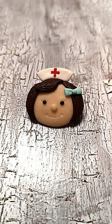 Odznaky/Brošne - zdravotná sestrička - 10529159_