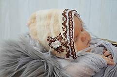 Detské čiapky - Plstěná čepička pro miminka - 10536532_