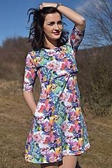 Šaty na dojčenie s A-čkovou sukňou - farebná záhrada