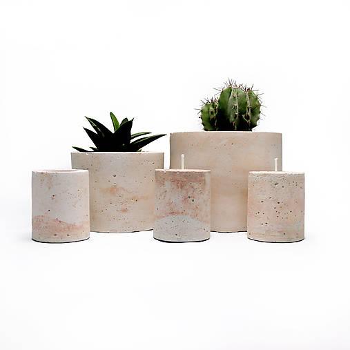 Dash of pink - betonove nadoby