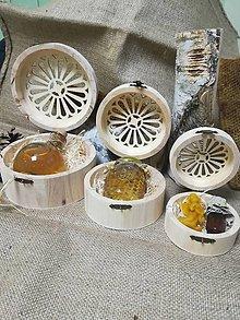 Potraviny - Medovina v darčekovom balení - v drevenej okrúhlej vyrezávanej krabičke - 10535901_