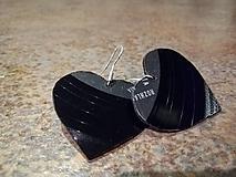 Náušnice - Náušnice VINYLKY - malé srdce - 10536203_