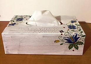 Dekorácie - Krabička na kozmetické vreckovky- ľudový motív - 10536328_