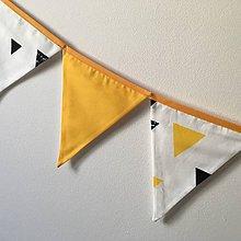 """Dekorácie - Girlanda """"žlté trojuholníky"""" - 10536319_"""
