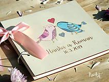 Papiernictvo - Svadobná kniha hostí, drevený fotoalbum - vtáčiky - 10537180_