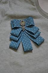 Odznaky/Brošne - Kvietkovaná brošňa modrá - 10540060_