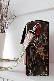 Kabelky - Drevená Kabelka gravírovaná Fleur - 10537257_