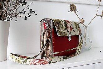 Kabelky - Drevená Kabelka gravírovaná Fleur - 10537281_